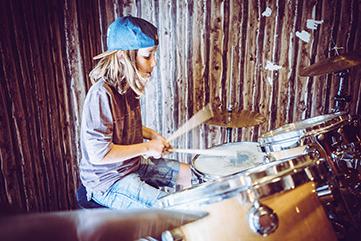 Freie Plätze in Musikkursen  der Jugendkunstschule des Pink Pop e.V.